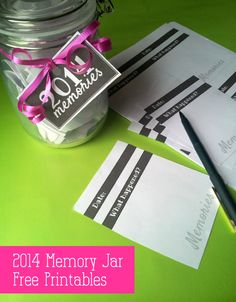 Create a memory jar for your 2014 memories with these free printables!