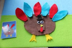 turkey feltboard/look at picture and build turkey with felt pieces from Chasing Cheerios