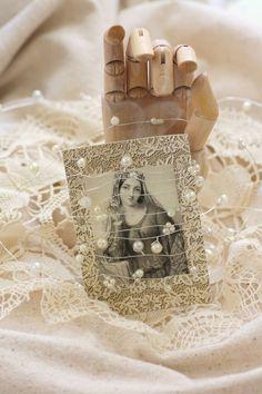 total divin, wooden hand, religi icon