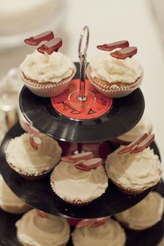 Vinyl record cup cake stand!!