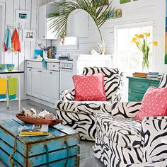 coffee tables, living rooms, trunk, beach cottages, color, beach houses, coastal living, zebra, beach shack