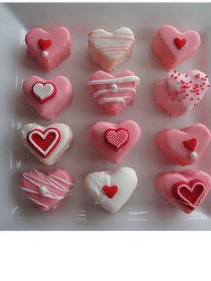 Super easy Valentine's Day petit fours by @Jackie Williamson