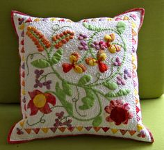 Deborah Kemball -- Applique Diva!! pillow, aa appliqu, almofada, appliques, divas, appliqu quilt, patchdeborah kembal, silk appliqu, floral quilt
