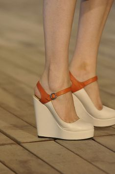 LOVE!!!!! Adorable wedges