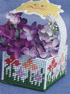 mini basket, garden mini, garden basket, plasticcanva, mini gardens, plastic canva