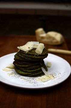 Yummy spinach pancakes. Recipe in Finnish.