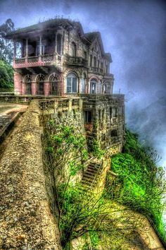 Amazing Snaps: The Abandoned And Haunted Hotel del Salto, Colombia | See more