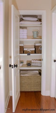 How To Organize a Linen Closet [Tutorial]