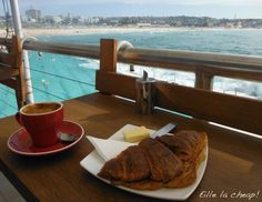 Breakfast @ Bondi Icebergs, Sydney, Australia