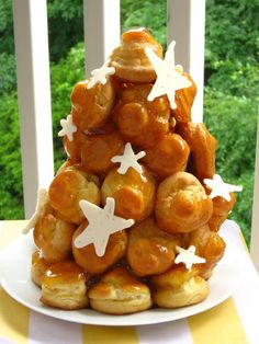 Caramel Cream Croquembouche > Willow Bird Baking