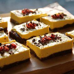 Raw Mango Cheesecake slices - Vegan, gluten free & sugar free!