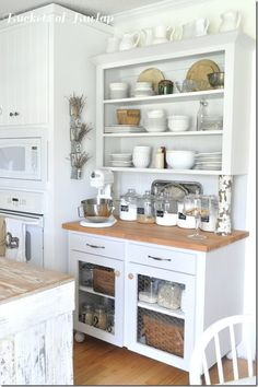 White Kitchen | Buckets of Burlap