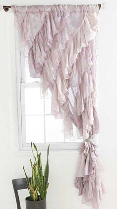 Shabby Chic interior design, curtains, hous, window treatments, ruffl curtain, window coverings, bedroom, ruffles, girl rooms