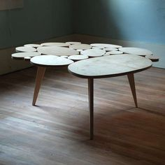 wood slice table .. would love to know how to do this