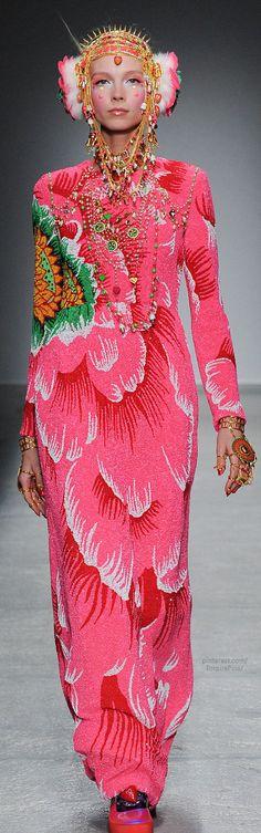 Fall 2014 Ready-to-Wear Manish Arora