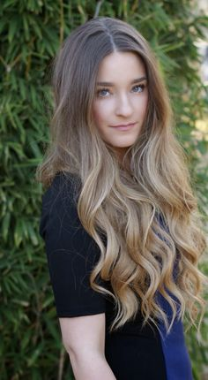 Big voluminous curls #TheBeautyBoard #Sephora #prom #prombeauty #hair #hairstyles