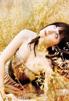 zoey deschanel, eye makeup, beauti, zooey deschanel, flowers, mornings, blues, fields, eyes