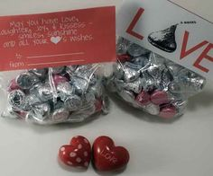 Cute free printable bag topper for hershey kisses filled sandwich bag from http://savedbylovecreations.com.  Click picture for download and instructions. heart, bag toppers, printabl bag, free printabl, hershey kisses, valentine day gifts, bags, kiss bag, gift printabl