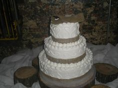 Burlap wedding cake :)