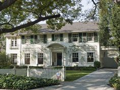 Dream home- Father of the Bride House!! (Looks like the Home Alone house too)