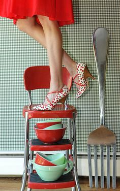 (source: Theresa Thompson)...I own the stool and the red and green bowls...now where to find the great shoes...You can keep the big fork.