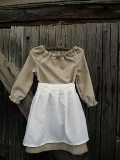 Our Pioneer Homestead: Peasant Dress with Apron ~ Day 15