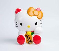 Hello Kitty Ceramic Coin Bank: White Lucky Cat