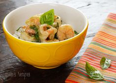 Thai Green Curry Coconut Shrimp with Basil #basil #thai #coconut #shrimp #curry #vegetarian