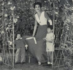Babe Paley and her two youngest children