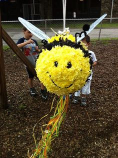 I think I have to make this for the bug party! How to make a Bee Pinata