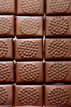 designs under chocolate