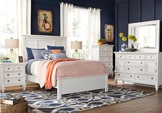 Belmar White 5 Pc Queen Bedroom at Rooms To Go.