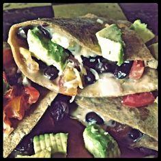 skinni black, avocado quesadilla, skinny mom, black beans, bean quesadilla, healthi recip, skinni mom, fitness foods, meal