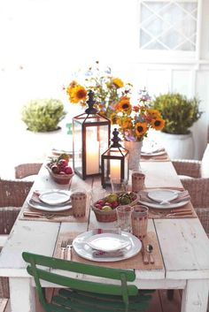 How to build a beautiful, rustic {pallet table} from scratch!