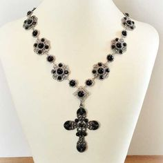 Black crystal replica of Catherine of Aragon's necklace