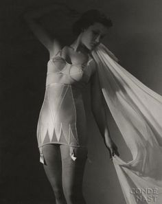 vintage lingerie, march 1938, vintag fashion, toni frissel, 1930s fashion, vintag lingeri, hollywood wedding, luxury lingerie, 1930s lingeri