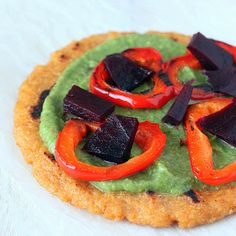 Quinoa Oat Flat bread Mini Pizza with Spinach hummus, Roasted Beets and Red bell pepper