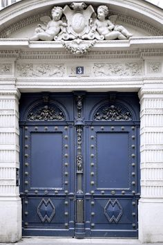 Inside CERRUTI 1881 : 3 Place de la Madeleine - Paris