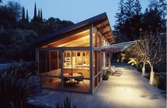 Shed roof house