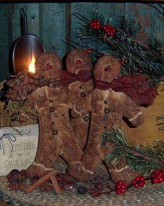PatternMart.com ::. PatternMart: Primitive Gingerbread Ornies Bowl Fillers Patti's Ratties Pattern 254