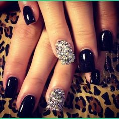 Black and glitter!!!! Love it always!