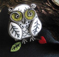 . owl crafts, zipper crafts, brooch, felt birds, zipper owl, felt owls, bird of paradise, zippers, snowy owl