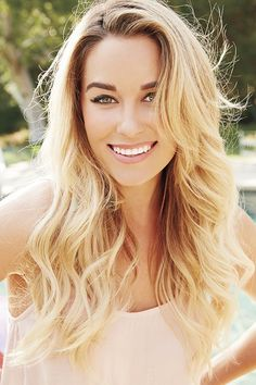 Lauren Conrad {beachy hair and natural makeup}