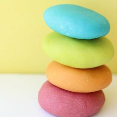 The easiest homemade playdoh recipe.  So fun to mix colors, fragrances, add glitter.  Perfect way to keep the little ones busy this winter.