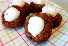 Sugar-Free Carrot Cake Bites––as sweet as it gets! Not to mention cute, too.