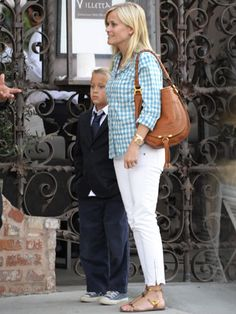 Celeb Mom Style: @ReeseWitherspoon #fashion #fashionmom #style