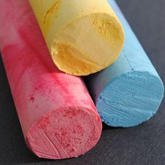 DIY Sidewalk Chalk Tutorial at The EcoMaker, featured @totgreencrafts