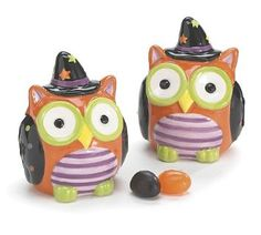 Whimsical Halloween Owl Salt and Pepper Shaker Set Adorable Halloween Decor: Amazon.com: Kitchen & Dining