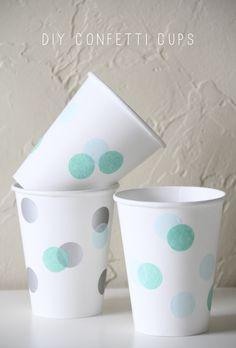 Decora tus vasos de cartón con confeti de papel para unos refrescos festivos! / Decorate paper cups with confeti for festive refreshments!