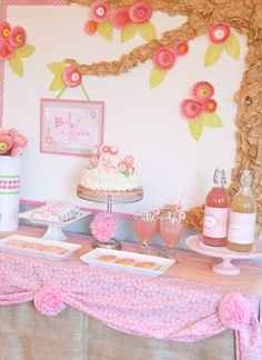 A #BabyShower #HappyHour with so many pretty details.